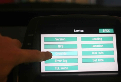 prius-override-button.jpg